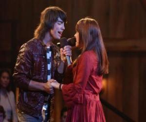 puzzel Shane (Joe Jonas) zingen samen Mitchie Torres (Demi Lovato) in Final Jam