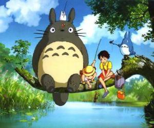 puzzel Tororo, de koning van het bos en vrienden in de anime film Mijn Naburige Tororo