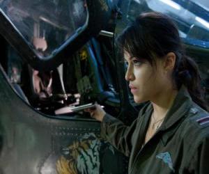 puzzel Trudy Chacon, een Marine Corps piloot die wordt een afvallige.