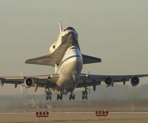 puzzel Vliegtuig met een space shuttle