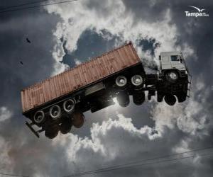 puzzel Vrachtauto vliegen door de lucht