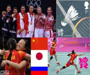 puzzel Vrouwen verdubbelt Badminton podium, Tian Qing Zhao Yunlei (China), Mizuki Fujii Reika Kakiiwa (Japan) en Valeria Sorokina, Nina Vislova (Rusland) - Londen 2012-