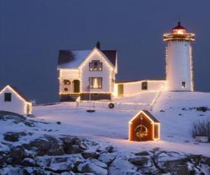 puzzel Vuurtoren en de vuurtoren keeper's huis met kerstversiering