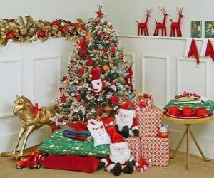 puzzel Zeer versierde kerstboom en cadeautjes