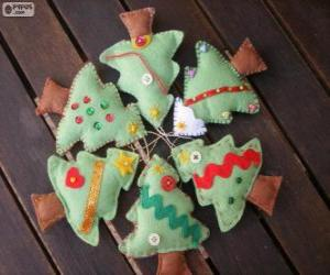 puzzel Zes kleine bomen van Kerstmis